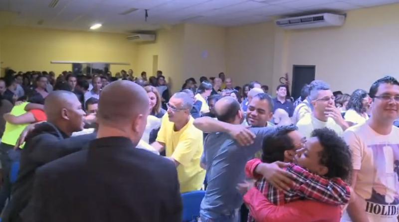 Une église pentecôtiste pour gays en plein boom au Brésil.